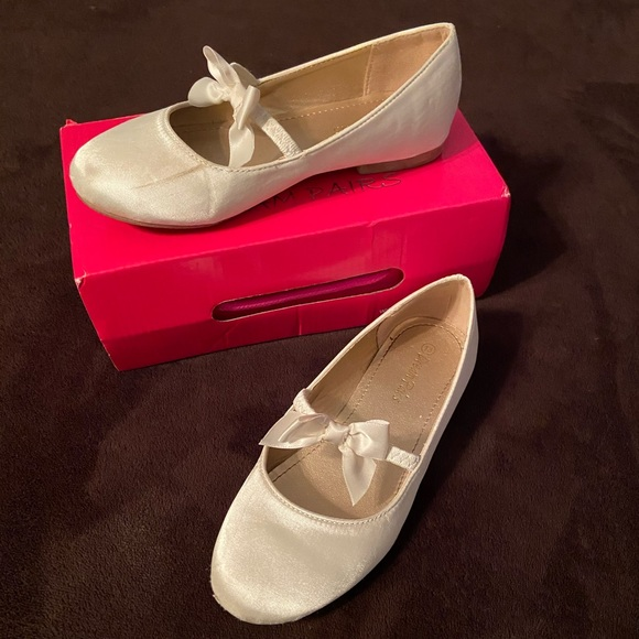 Dream Pairs Shoes   212 Girls Ivory